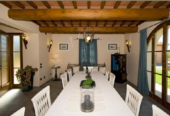 Villa Lestra: dinner room