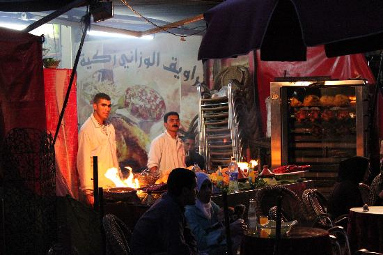 Meknes, Marokko: La Place Lahdim