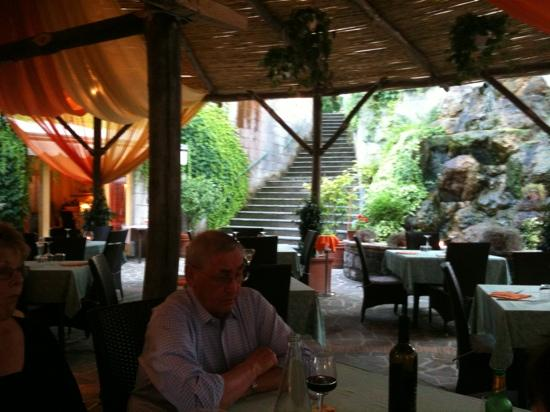 Ristorante Bar Parco Ibsen: Relaxing on a Friday night...