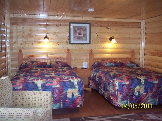 Z-Bar Motel: Newly renovated Cabin with 2 dbl-XL beds