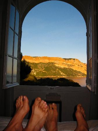 L'escale: view from the bed