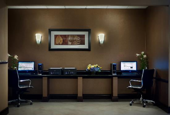 Holiday Inn Tewksbury Andover: Business Center