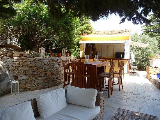 Emporios, Grecja: bar area