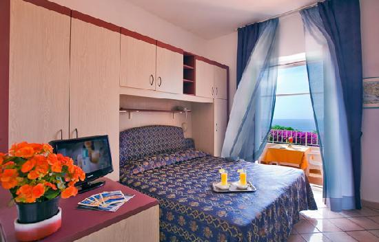 Hotel Residence Sant'Angelo: Camera vista mare