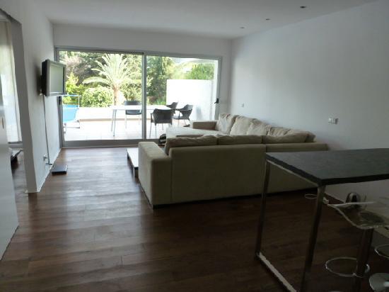 Jardines Del Mar Apartments: Sitting Room