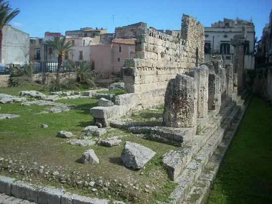 Tempio di Apollo: The remains of the Temple of Apollo are worth taking some time to enjoy.