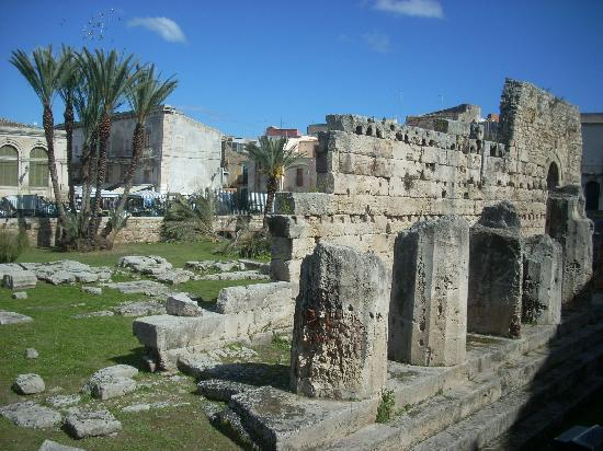 Tempio di Apollo: The park-like setting sets these ruins apart from many in Sicily.