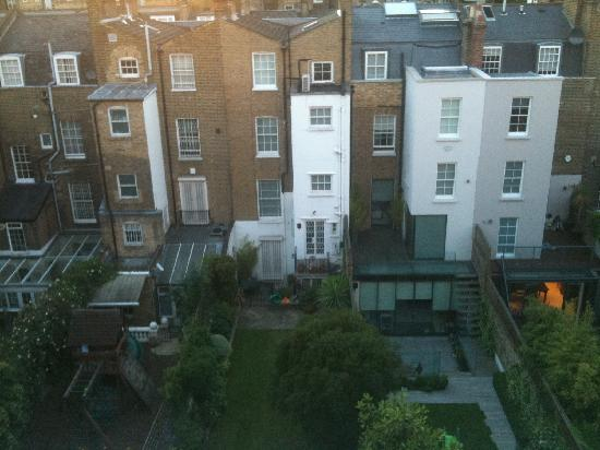 Presidential Apartments Kensington: vue de la fenetre