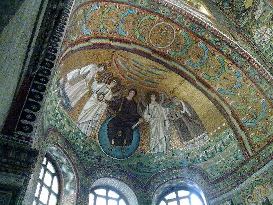 Basilica San Vitale : Basilica mosaics