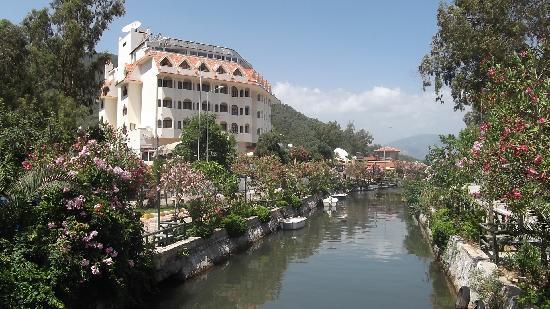 Icmeler, Turquía: Canal - stalls gone