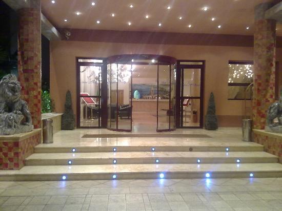 Hotel Eden Airport : entrée principale