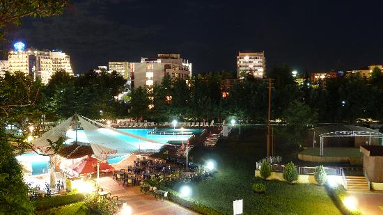 Pomorie Hotel: pool at night