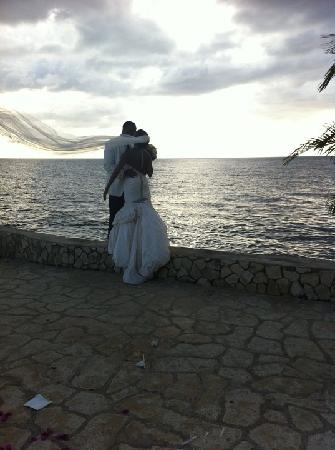 Negril Escape Resort & Spa: My husband and I on the Cliffs
