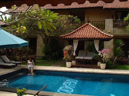 Pondok Ayu : A view of the pool
