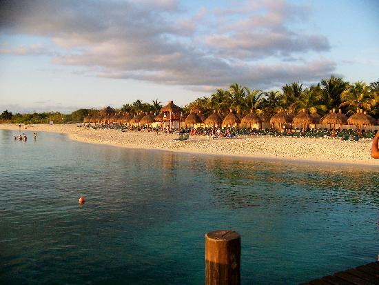 Occidental Cozumel: Sunset and Palapas