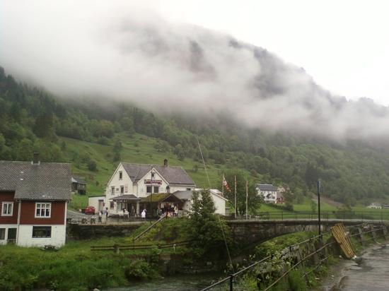 This is the amazing fog that creates an illusion nearby Hotel Ullensvang