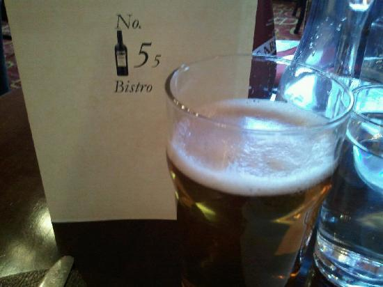 Waverley Villa Guesthouse: Beer at Bistro No. 55