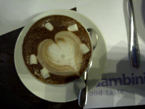 Casper & Gambini's : caffe latte