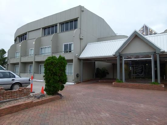 Ciloms Airport Lodge