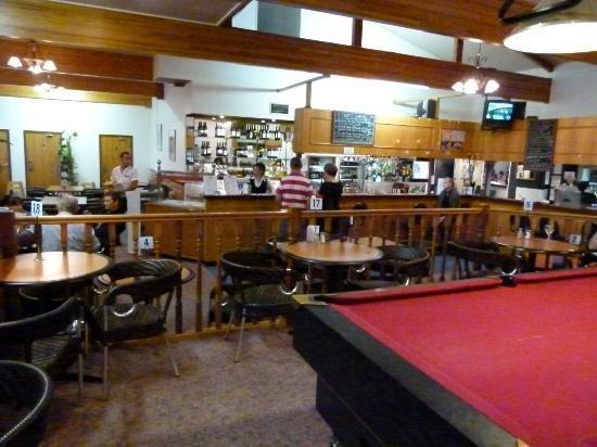 Ciloms Airport Lodge: bistro & bar