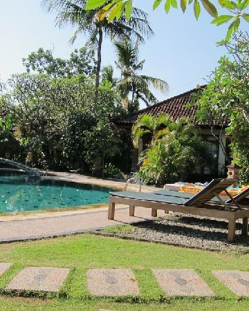 Sukun Bali Cottages: By the pool