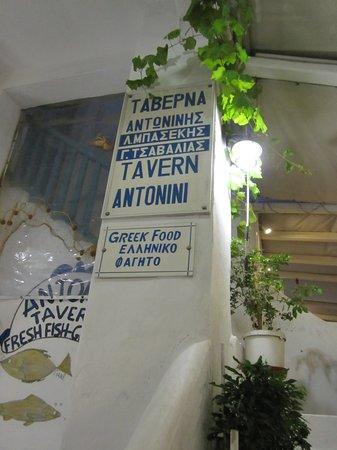 Taverna Antonini: sign