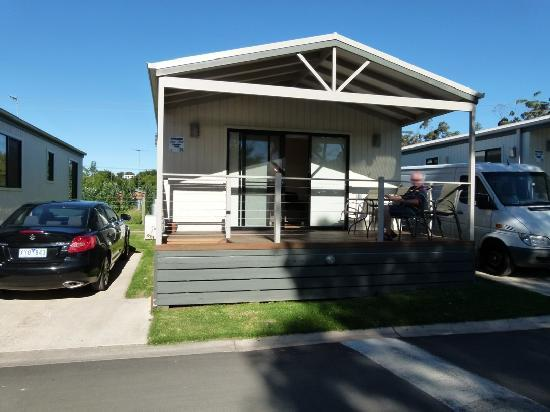 Discovery Parks - Geelong : Geelong Riverview Tourist Park 2bedroom with spa cabin