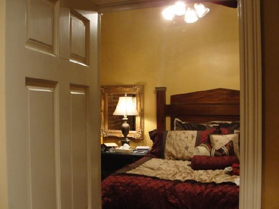 Quarter House Resort: Bedroom of 511A