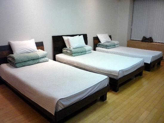 Incheon Airport Guesthouse: beds
