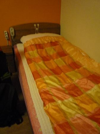 Yeha guesthouse: single bed
