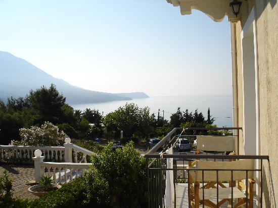 Trapezaki Bay Hotel: View of the sea from a rear 1st floor room