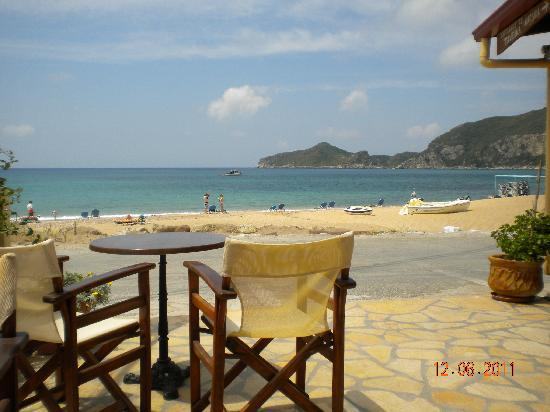 Hotel Costas Golden Beach: From taverna along the road