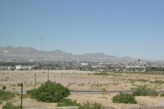 Holiday Inn Express & Suites El Paso Airport Area: day time view