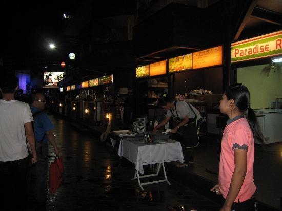 Siam Paradise Night Bazar: ビアガーデン