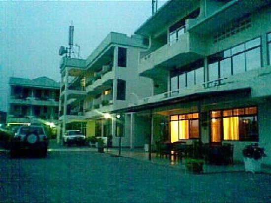 VIRUNGA HOTEL INSIDE