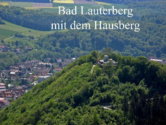 Hotel am Kurpark: Blick vom Bismarkturm auf Bad Lauterberg und den Hausberg