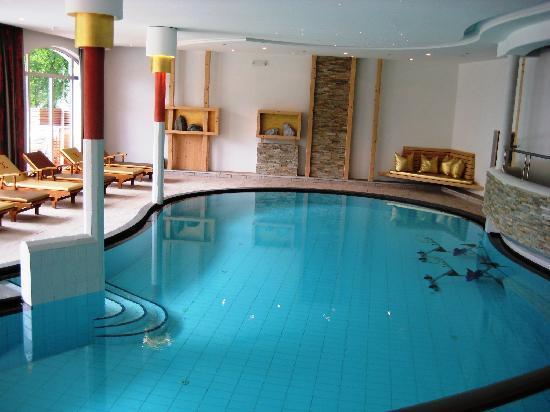 Excelsior Dolomites Life Resort: Innenpool