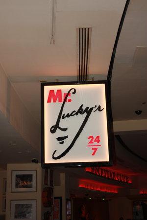 Mr. Lucky's 24/7 Cafe: Mr. Lucky's