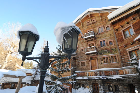 Photo of Hostellerie Du Pas De L'Ours Crans-Montana