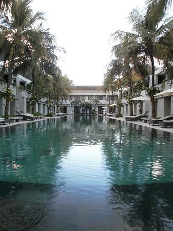 The Oasis Kuta: Lovely swimming pool