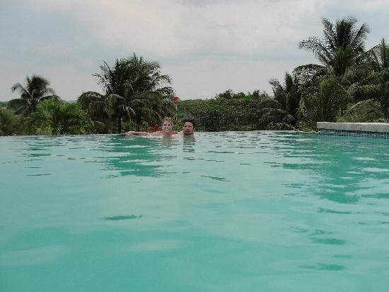 Windy Hill Resort : The pool at Windy Hill