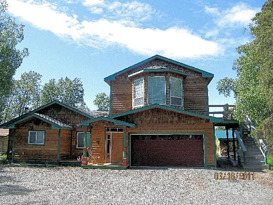 Alaska Riverview Lodge: 4 bedroom house downstairs;master suite w/private entrance upstairs