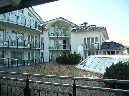 Dorint Strandhotel Binz/Rügen: Balkonblick Innenhof
