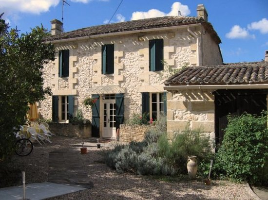 Maison Arc-en-ciel : La Source guesthouse