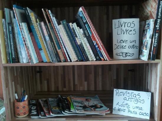 Ekoa Café : Shelf