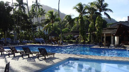 Berjaya beau vallon bay resort casino seychelles tips on how to play online poker