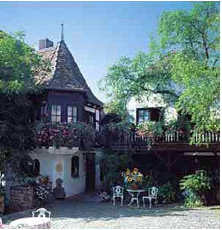 Alte Pfarrey: Der wunderschöne Hof des Restaurants mit angeschlossenem Landhotel