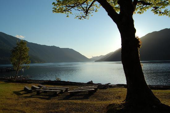Lake Crescent Lodge: Lakeside Fire Pit
