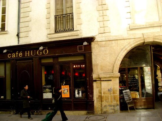 Photo of French Restaurant Cafe Hugo at 22 Place Des Vosges, Paris 75004, France