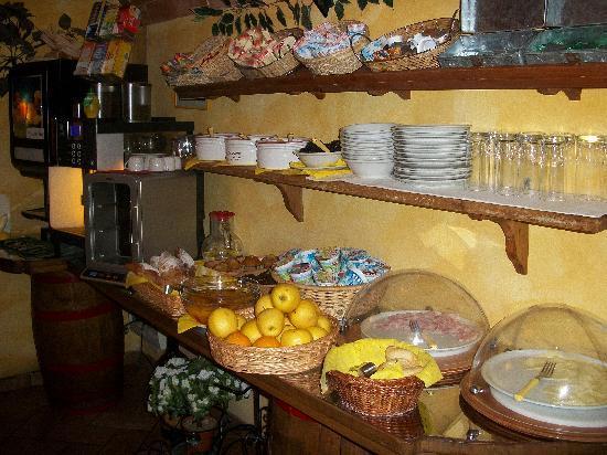 Villa Piccola Siena: Fruehstueck